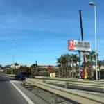 El Ayuntamiento de Estepona retira más de 200 instalaciones ilegales de publicidad