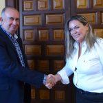 Colegio de Médicos y Asociación Alhelí firman un convenio de colaboración