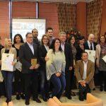 El alcalde entrega los diplomas a los alumnos de la cuarta promoción de la Escuela de Hostelería