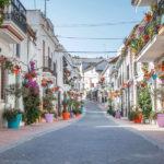 El Ayuntamiento organiza un programa de actividades para conmemorar las 100 calles remodeladas en el proyecto 'Estepona, Jardín de la Costa del Sol'