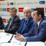 El alcalde y Vicente del Bosque presentan la VI edición del Campus de Verano en Estepona