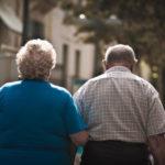 ¿Por qué las personas mayores viven cada vez más en solitario?