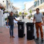 El Ayuntamiento entregará cubas de basura a bares y restaurantes para evitar restos de suciedad en la calle