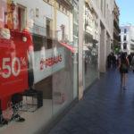La Junta realizará más de 800 controles en establecimientos comerciales durante la temporada de rebajas de verano