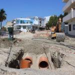 Estepona renueva y mejora la red de agua y alcantarillado en la céntrica avenida de Andalucía