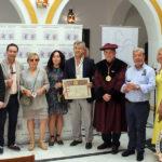 La Cofradía del Vino de Rioja galardona a Estepona por la difusión y promoción de los caldos riojanos